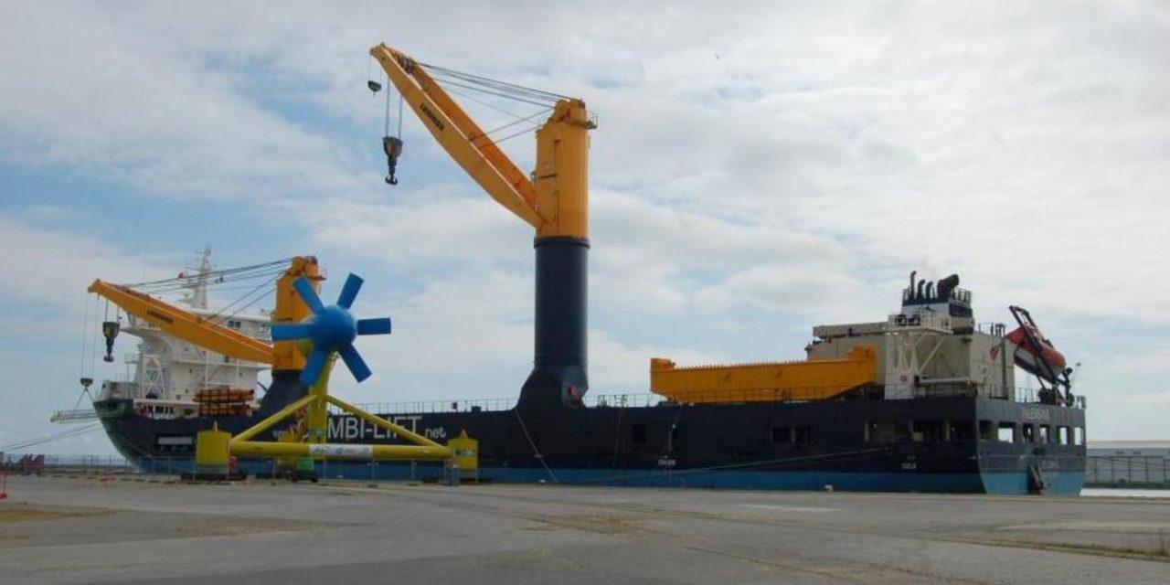 Brest : le port prêt pour le remorquage de Sabella et un débat sur le travail et la mer