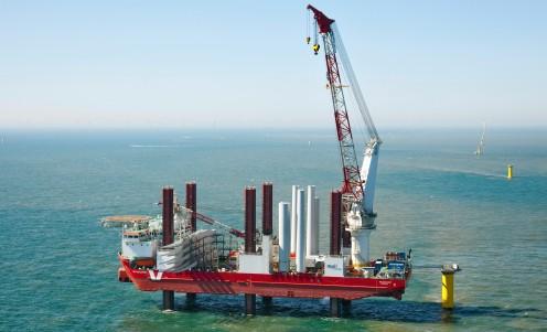 Japon : Nouvel équipement pour poser les éoliennes en mer