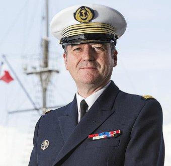 CV Eric Pagès prend ses fonctions à l'Ecole Navale