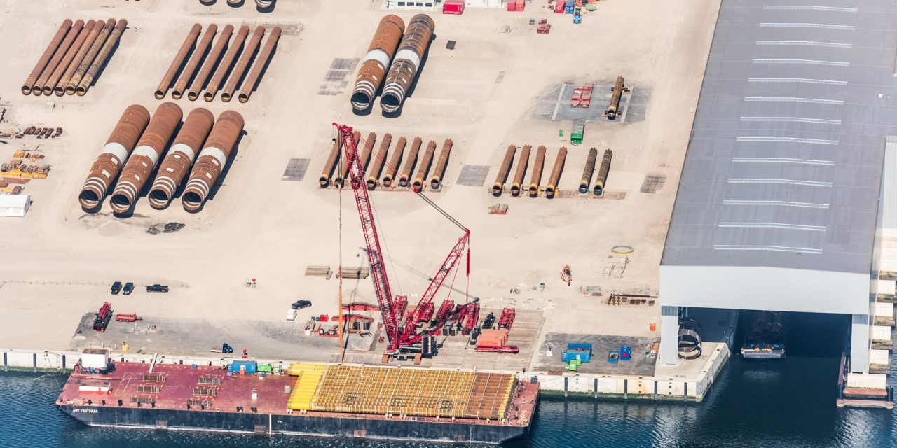 Port de Rotterdam : SIF y produit dorénavant 4 monopieds complets par semaine