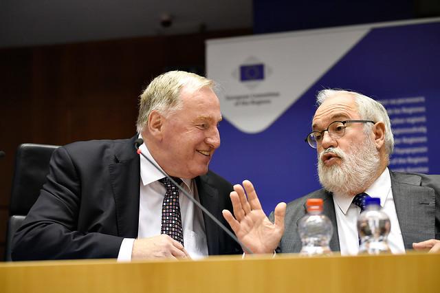Europe : Karl-Heinz Lambertz appelle Miguel Arial Canete à une meilleure cohésion pour les décisions climat-énergie