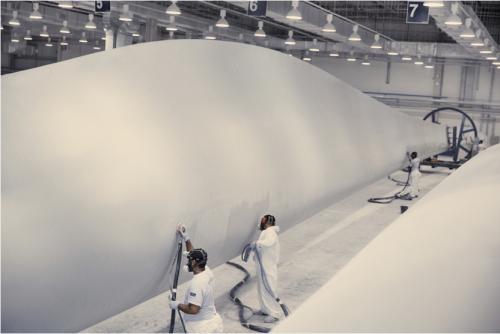 GE Renewable Energy crée 250 nouveaux emplois pour son usine de pales d'éoliennes à Cherbourg