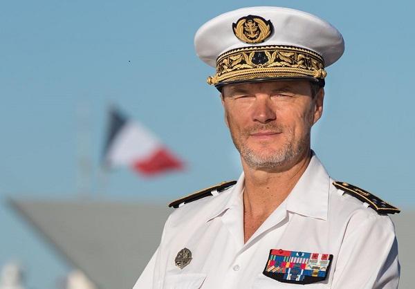 Le vice-amiral d'escadre Jean-Philippe Rolland, devient chef d'état-major particulier du président de la République