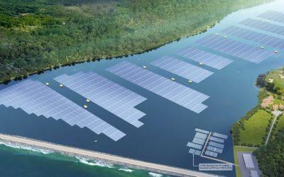 La construction de Tengeh Reservoir, le futur plus grand parc solaire flottant, a débuté