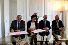 Signature de l'acquisition du calculateur -Jean Zay HP Frédérique Vidal