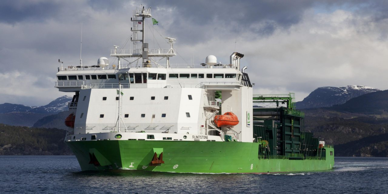 Navire Flinetstone de DEME pour Moray East