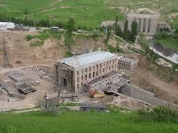 EDF et Uzbekhydroenergo vont développer l'hydroélectricité par pompage et le photovoltaïque flottant